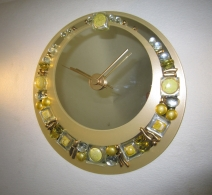 Laikrodis ,  clock on mirror  , часы на зеркале
